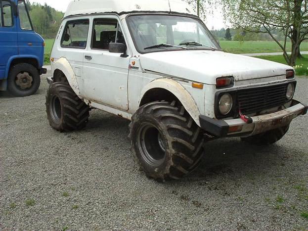 Lada-Niva-1980-2