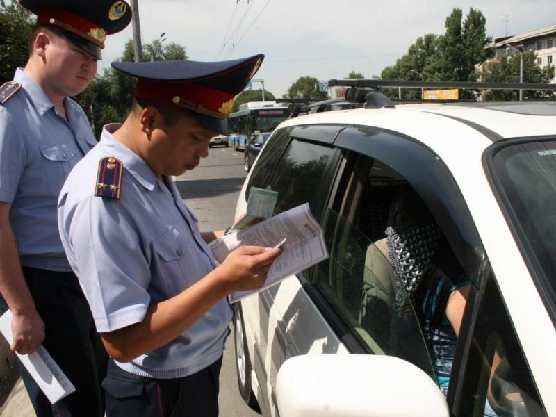 Имеет ли право сотрудник май изъят тех паспорт автомашины за нарушение пдд