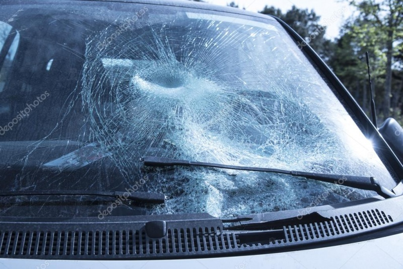 depositphotos_106876004-stock-photo-broken-glass-of-a-car