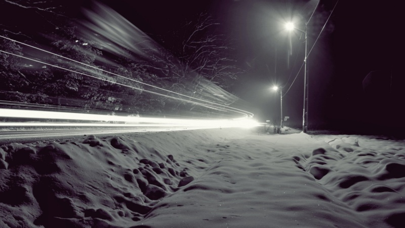 snow-night-lights-wind-winter-roads-2048x1152-wallpaper